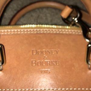 Dooney & Bourke 1975- handbag- cross body
